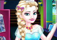 Elsa Goes To High School